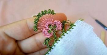 Çubuklu Çiçek Tomurcuğu Tığ Oyası Modeli