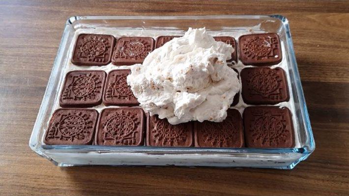 Pişmeyen Şahane Bebe Bisküvi Pastası