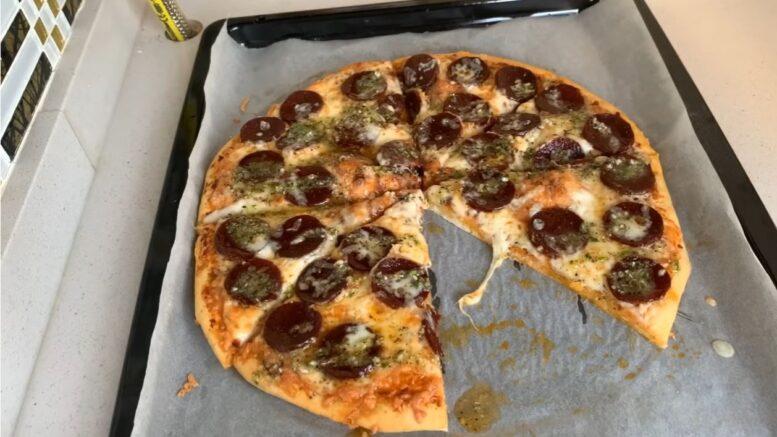 Hazıra Taş Çıkaran Evde Dominos Pizza Tarifi