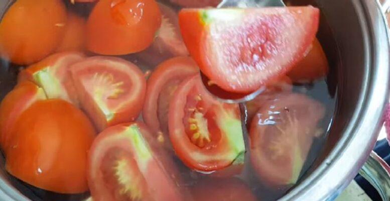 Pişirmeden Domatesi Bu Yöntemle Yıllarca Taze Saklayabilirsiniz 1