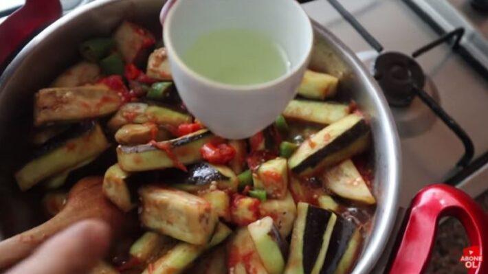 Şişe Kaynatmadan Kızartmadan Kışlık Patlıcan Tarifi 1