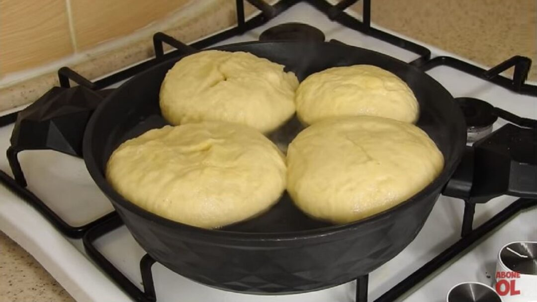 Hamuru Suda Pişirmekmiş Bu Tarifin Sırrı 1