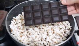 Sütün Yanında Çikolata Ekleyerek Mısırı Patlatmayı Deneyin 2