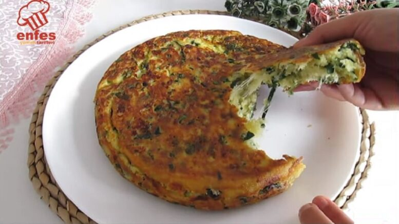 Kahvaltıya Şifalı Ispanaklı Tava Böreği