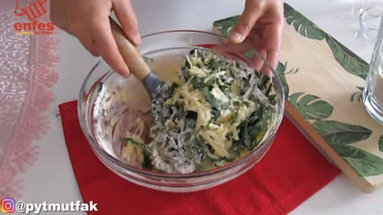 Kahvaltıya Şifalı Ispanaklı Tava Böreği 2