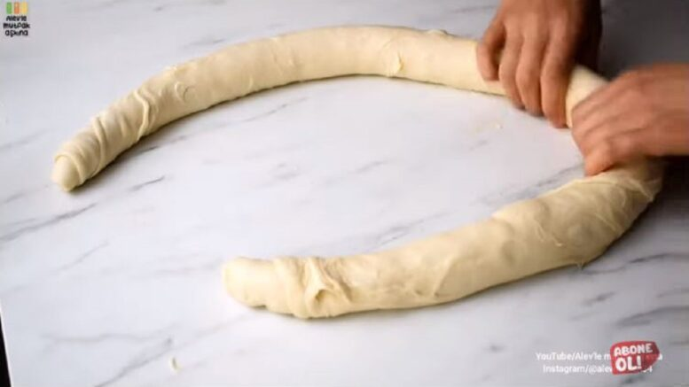 Şiddetle Tavsiye Edilen Kahvaltı Çöreği Tarifi 1