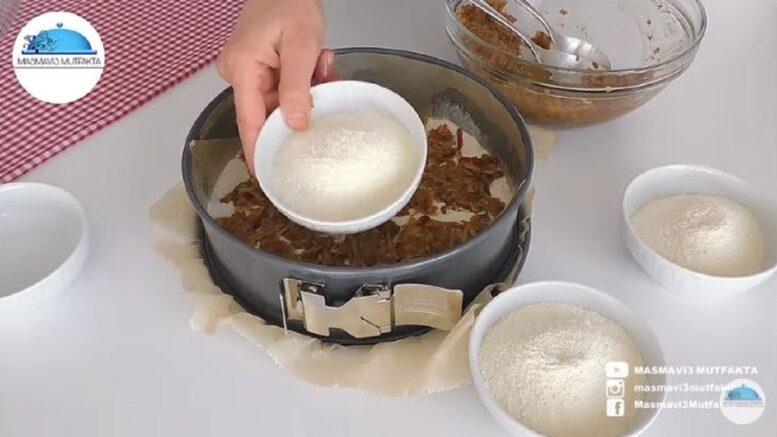 Şok Olacağınız Hamursuz Elmalı Pasta Tarifi 2
