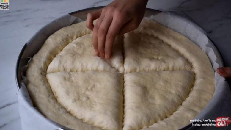 İnanılmaz Az Malzemeli İnanılmaz Lezzetli Çörek Tarifi 3