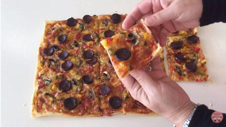Kendini Pizza Sanan Börek Tarifi