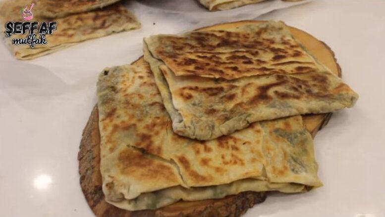 İçi Islak Olmayan Ispanaklı Börek Yapmanın Sırları