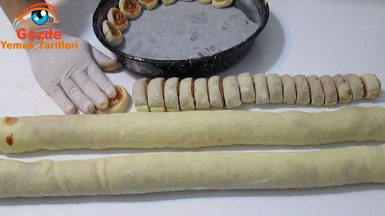 Sırrı Sosunda Saklı Farklı Kahvaltılık Çörek Tarifi 3