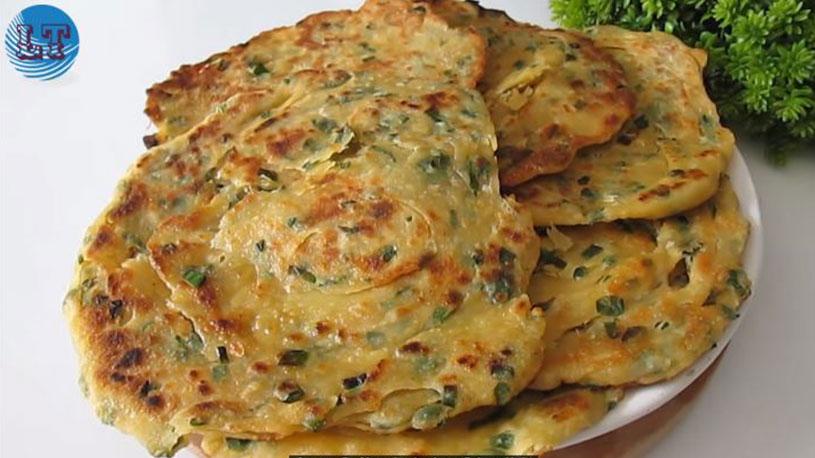 Yeşil Soğandan Mayasız Kahvaltılık Tarifi 5
