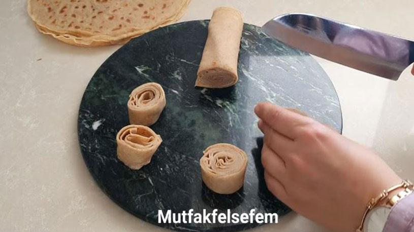 Değişik Pişirme Tekniği İle Şerbetli Tatlı Tarifi 3