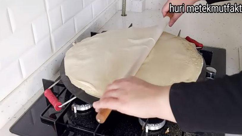 İlginç Pişirme Tekniği İle Harika Hamur İşi 1