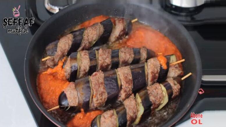 Şekline Hayran Bırakan Patlıcan Köftesi Tarifi