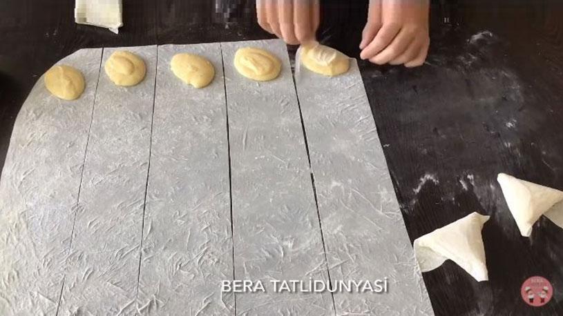 Yapılışı Aranan Muskat Böreği Tarifi 2