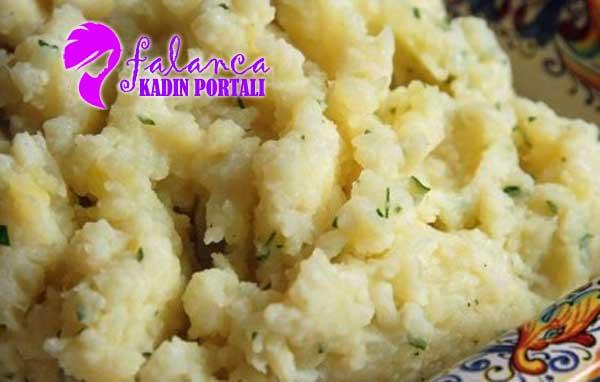 Bebek Yemekleri Peynirli Karnıbahar-Patates Püresi