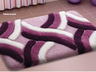 Beyaz Ve Bordo Izgili Banyo Paspas Modelleri