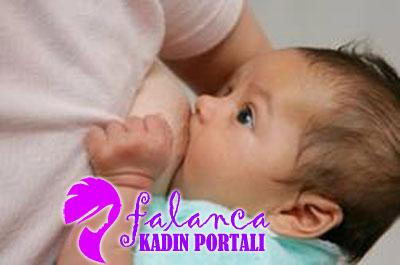 Bebeklerin ilk Defa Emzirilmesi