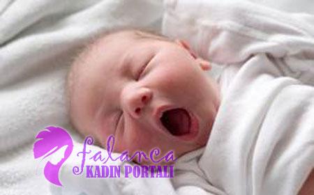 Bebek Kac Saat Uyumali