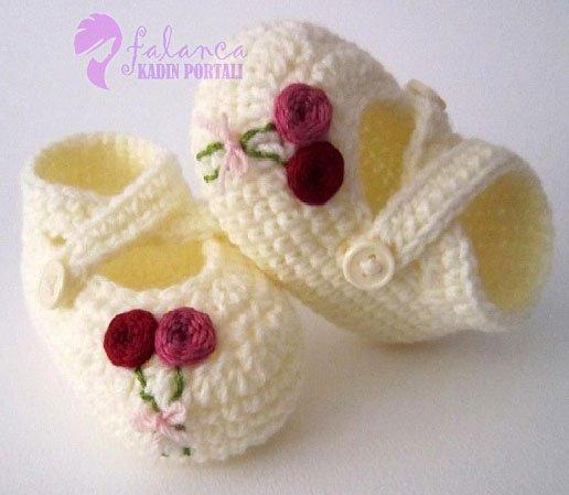 Şiş Örgü Bebek Patik Modelleri 17