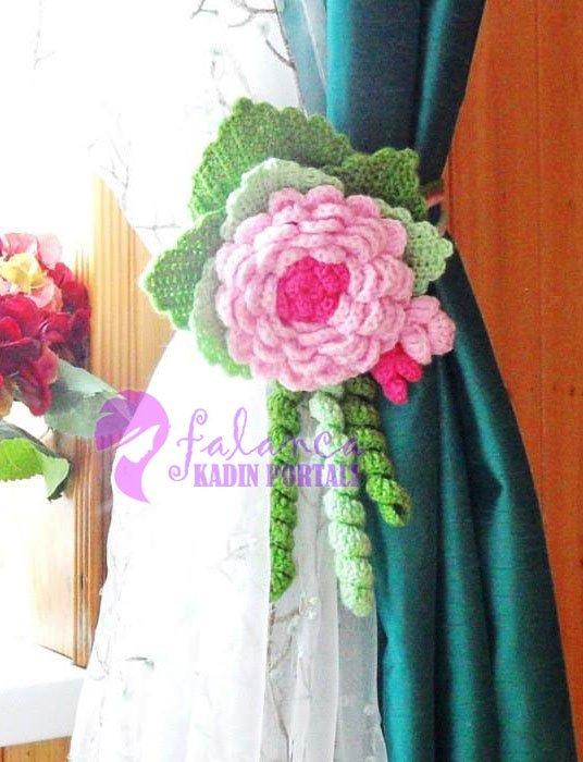 Çiçekli Perde süsü