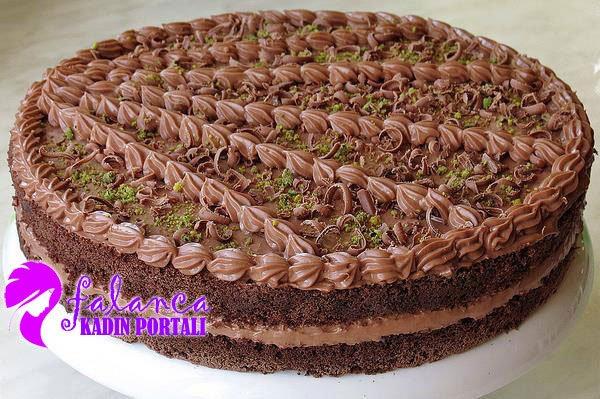Cikolatali Yas Pasta Yapilisi