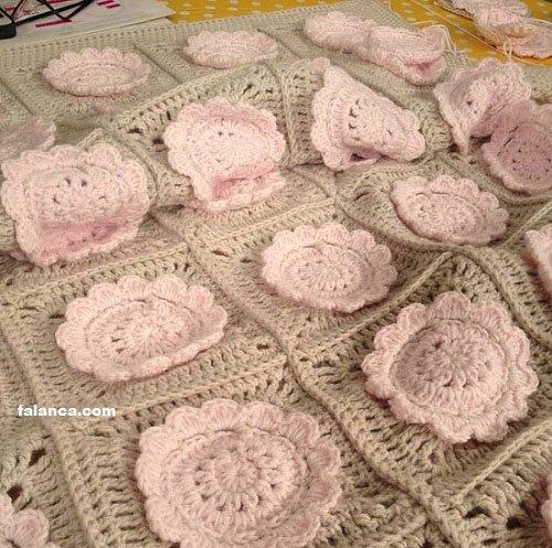 Katmerli Çiçekli Bebek Battaniyesi - 3