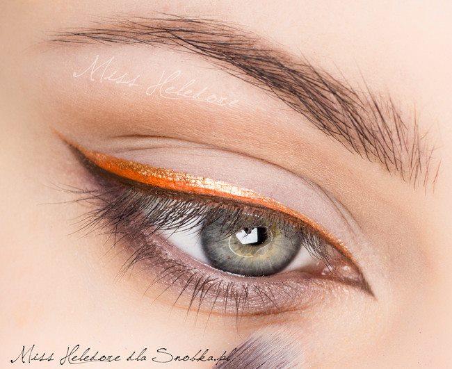 Eyelinerli Sade Makyaj 4