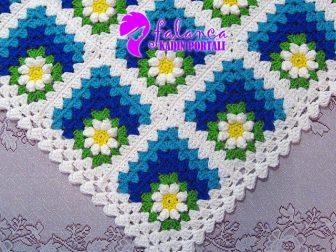 Çiçekli Nazar Boncuğu Battaniye