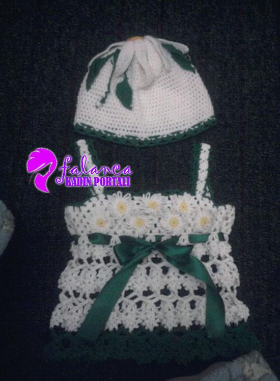Tığ Bebek Örgü Papatyalı Elbise