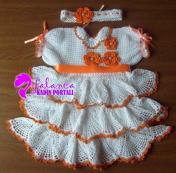 tig bebek elbise takim  Tığ İşi Bebek Elbiseleri