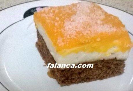 Havuçlu Üç Renkli Pasta
